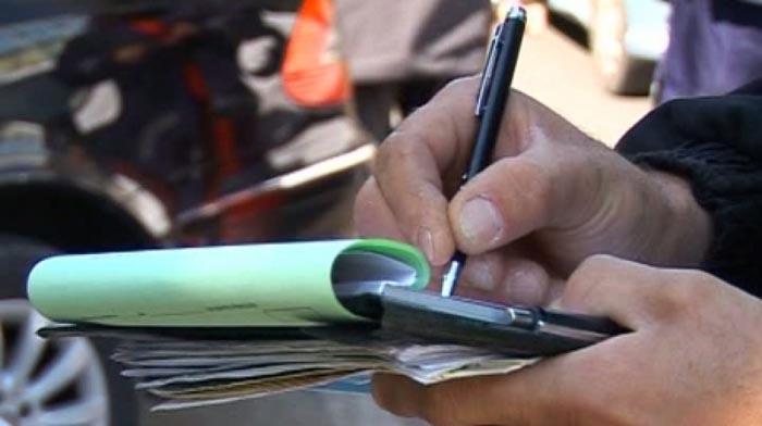 Opt șoferi au rămas fără permisele de conducere