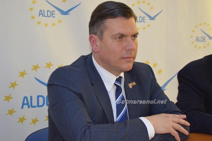 Adrian Ștef a adunat semnăturile necesare pentru candidatură