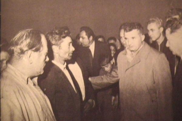 Ceausescu2