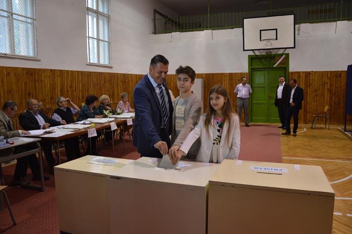 """Adrian Ștef: """"Am votat pentru viitorul municipiului Satu Mare"""""""