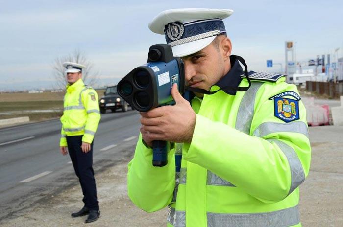 Mii de polițiști sunt scoși pe străzi