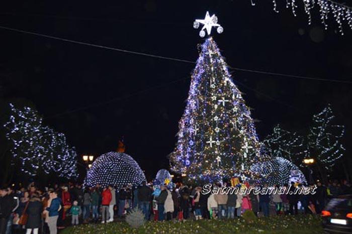 Iluminatul de sărbători va fi pornit de Sfântul Andrei