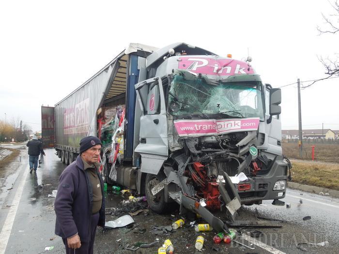 Accident teribil în Bihor. O sătmăreancă, transportată la spital (Foto&video)