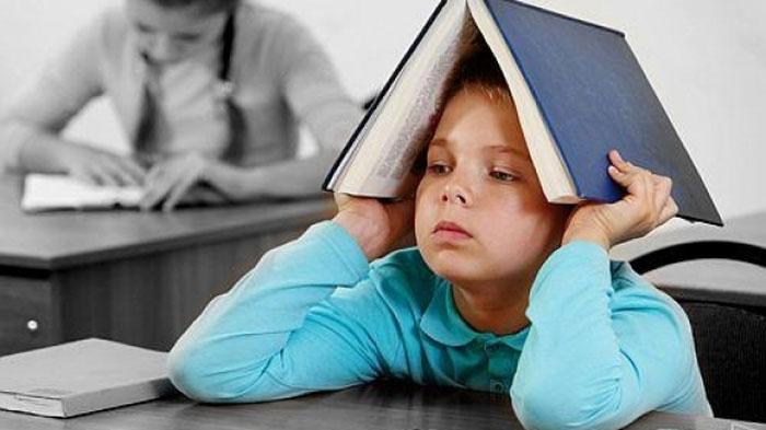 Elevii revin luni la școală