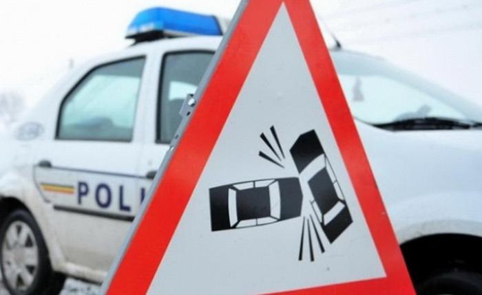 Accident pe o stradă din Păulești. Unul dintre șoferii implicați, beat criță