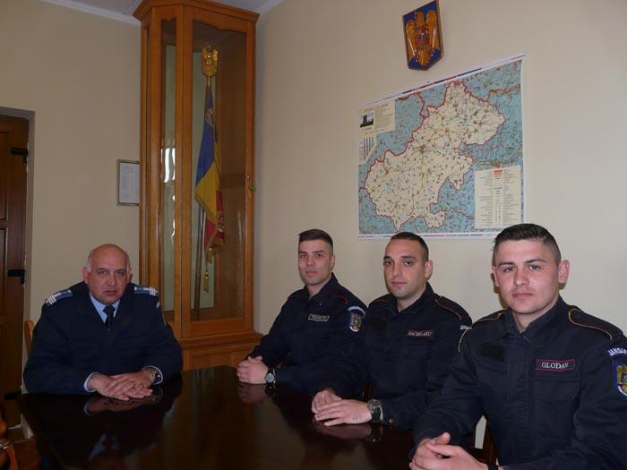 Trei elevi în practică la Jandarmeria Satu Mare