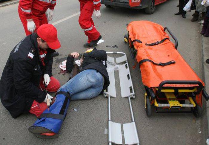 Accident lângă Palatul Administrativ. O tânără, transportată la spital