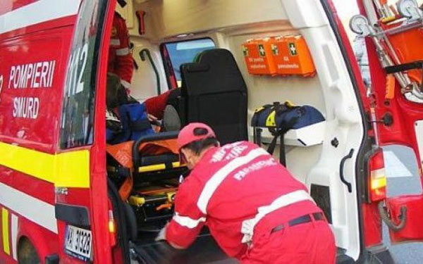 Pieton lovit pe zebră de un șofer de 85 de ani