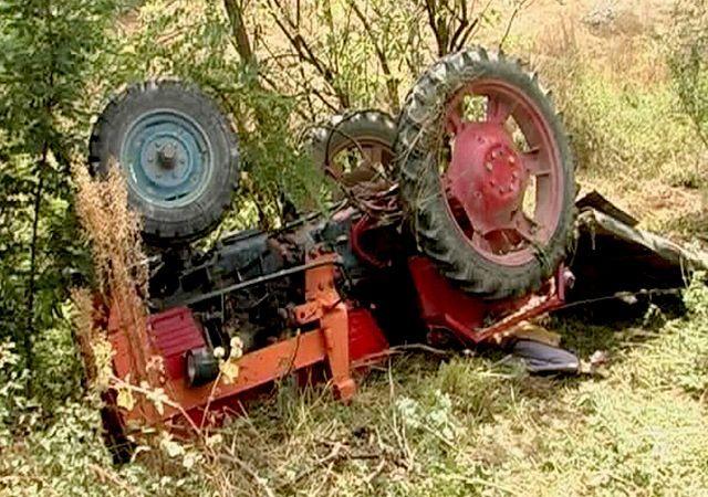 Bărbat strivit de un tractor. Vezi detalii