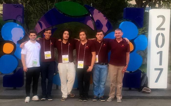 Patru medalii, palmaresul elevilor români la Olimpiada Internaţională de Informatică