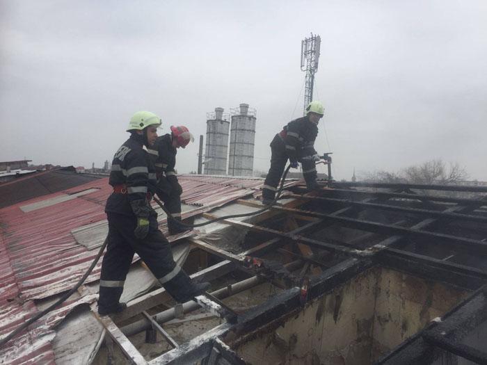 Incendiu la un atelier din Satu Mare (Foto)
