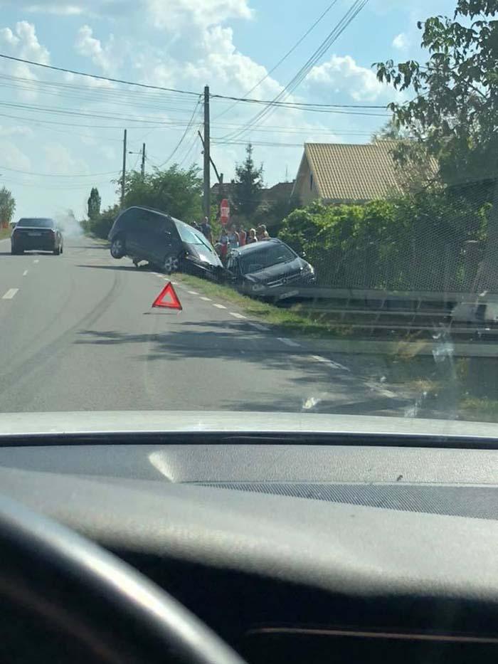 Accident in Turulung. Doua masini in sant (Foto)
