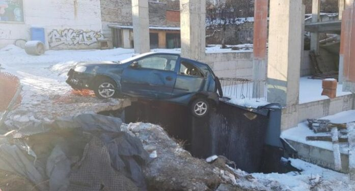 "Doamne Fereste ce manevra. Cum sa parchezi peste o ""gaura neagra"" (Foto)"