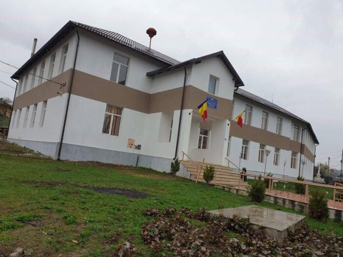 Școală și grădiniță modernizate la Bârsău din fonduri alocate de Guvernul PSD (Foto)