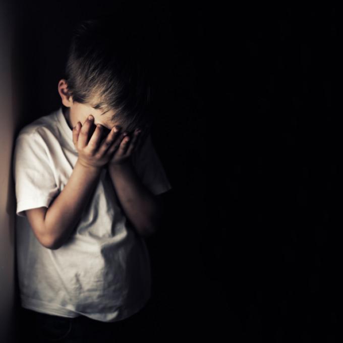 Un bărbat care a abuzat un copil de 12 ani, pus în libertate de judecători. Motivarea instanței