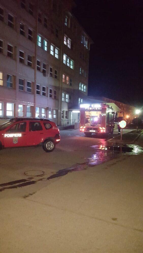 A luat foc spitalul din Carei.