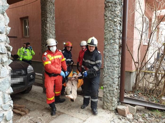 O casă din Păulești a explodat (FOTO)
