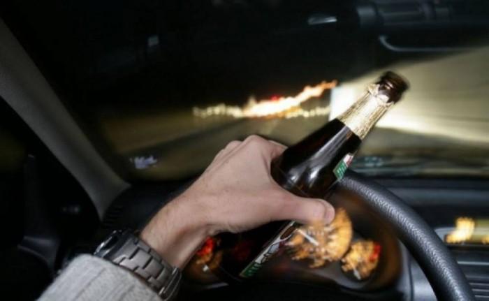 Tânăr, băut la volan.
