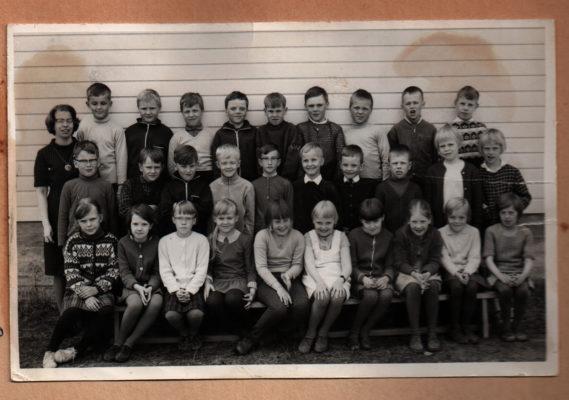 Koskelana kansakoulu 1966 II B -luokka