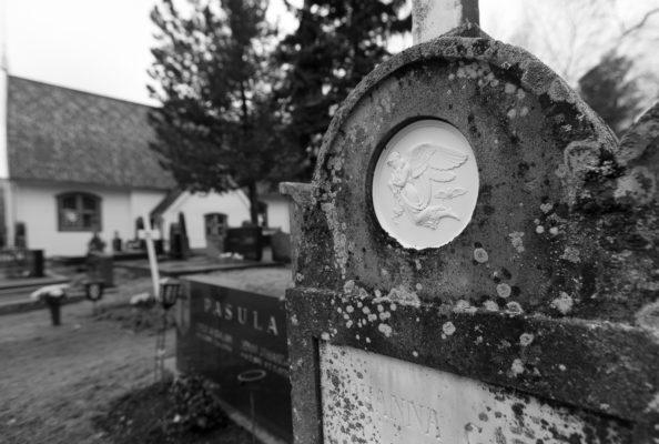 Hiljainen kaupunki - Tornion hautausmaalla_-4