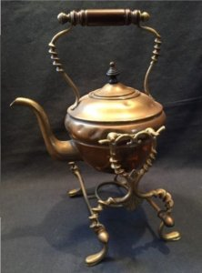 Antique tipping kettle