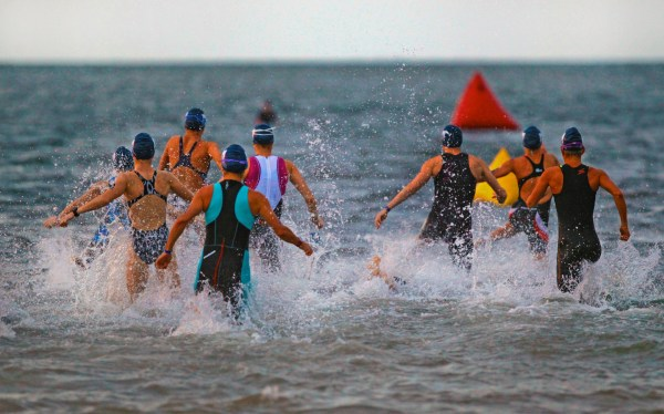 St. Petersburg, Fl.  4.30.2017. Women's Pro start. World Champions, Olympians, and a well-rounded roster of professional athletes from across the world comprise the field for the 34th Annual St. AnthonyÕs Triathlon that returns to St. Petersburg on Sunday, April 30th 2017.