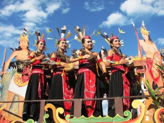 Kesenian tari yang ada di suku Batak