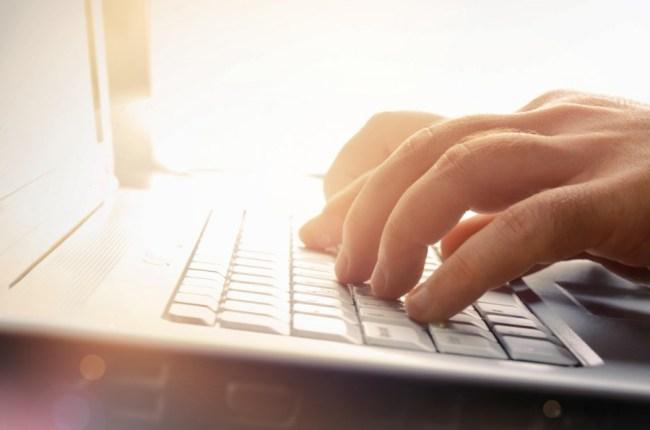 peluang usaha dari menulis online