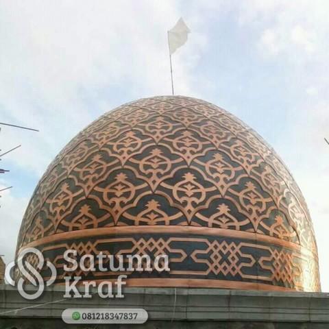 foto kubah masjid dari tembaga