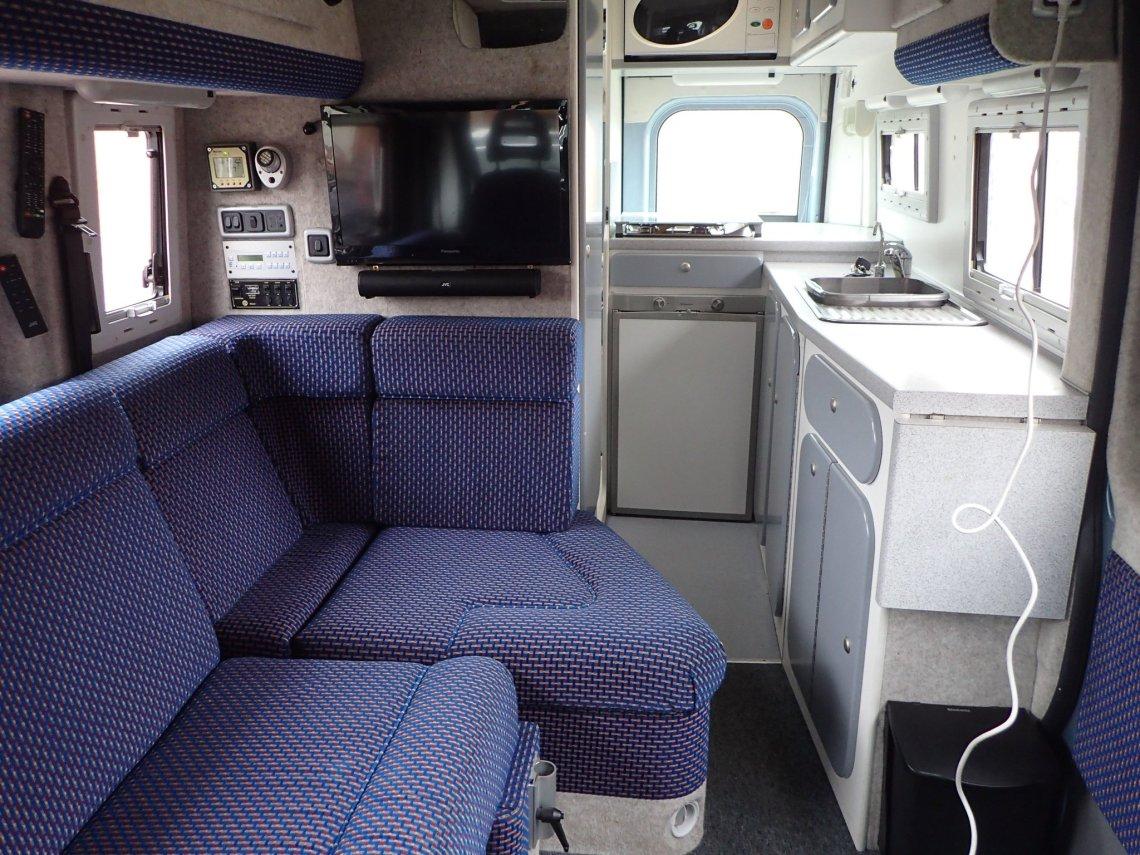 Lounge/Bed Kitchen Area Microwave fridge hob etc