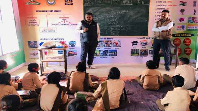 SP taught math to children in government school