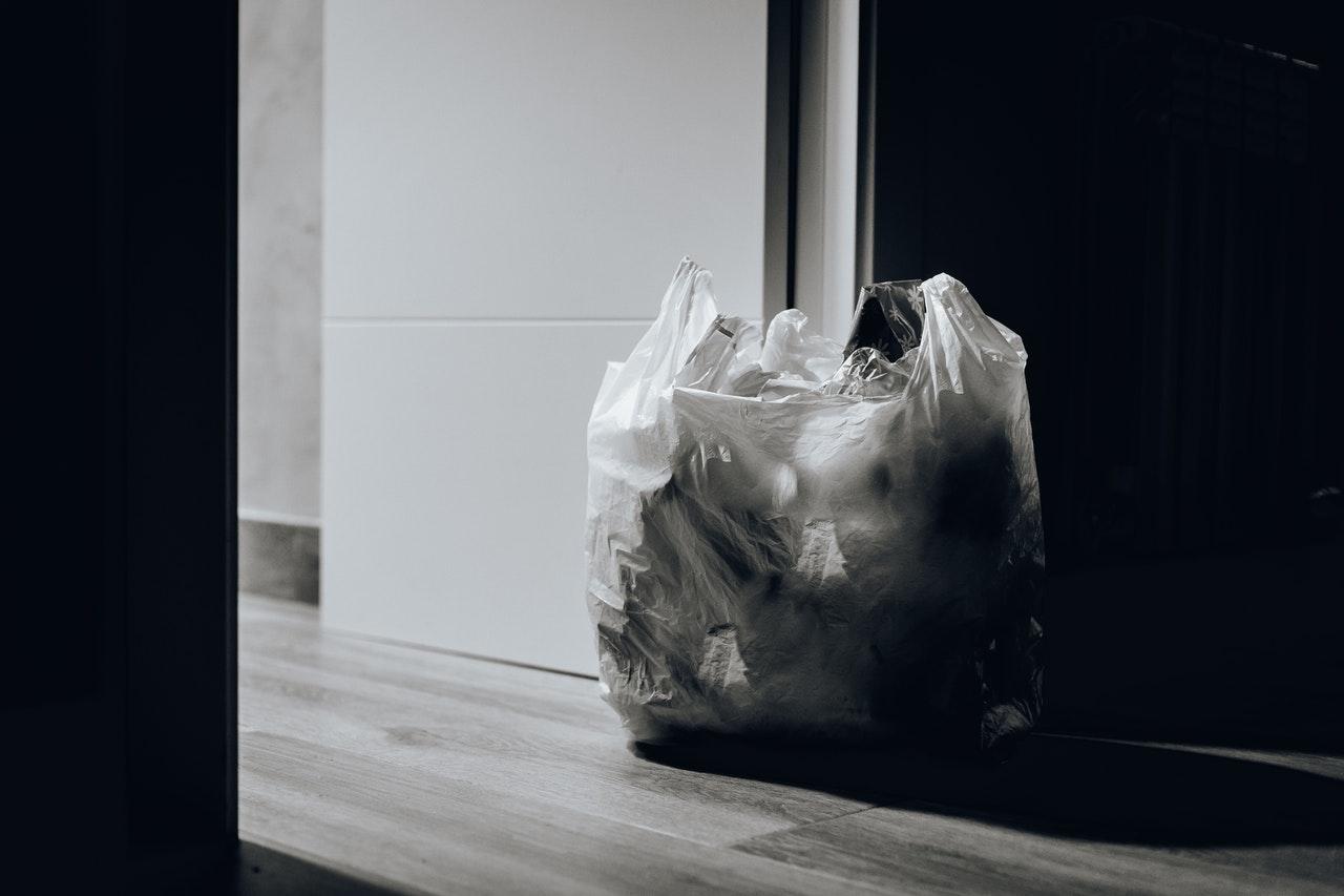 Mit einem Mülleimer gehören hässliche Mülltüten der Vergangenheit an.