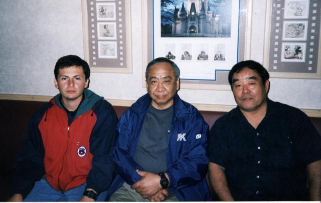 Sensei Fernando Soto, Sensei Shigeru Sawabe y Sensei Fumio Demura. California, Estados Unidos, febrero 2003.