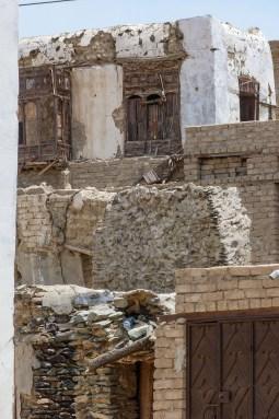 Houses at the traditional village of Yanbu' Al-Nakheel (photo: Florent Egal)