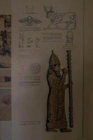 Explanations about ancient symbols (photo: Florent Egal)