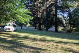 Spacious parkland at Daylesford Holiday Park Resized