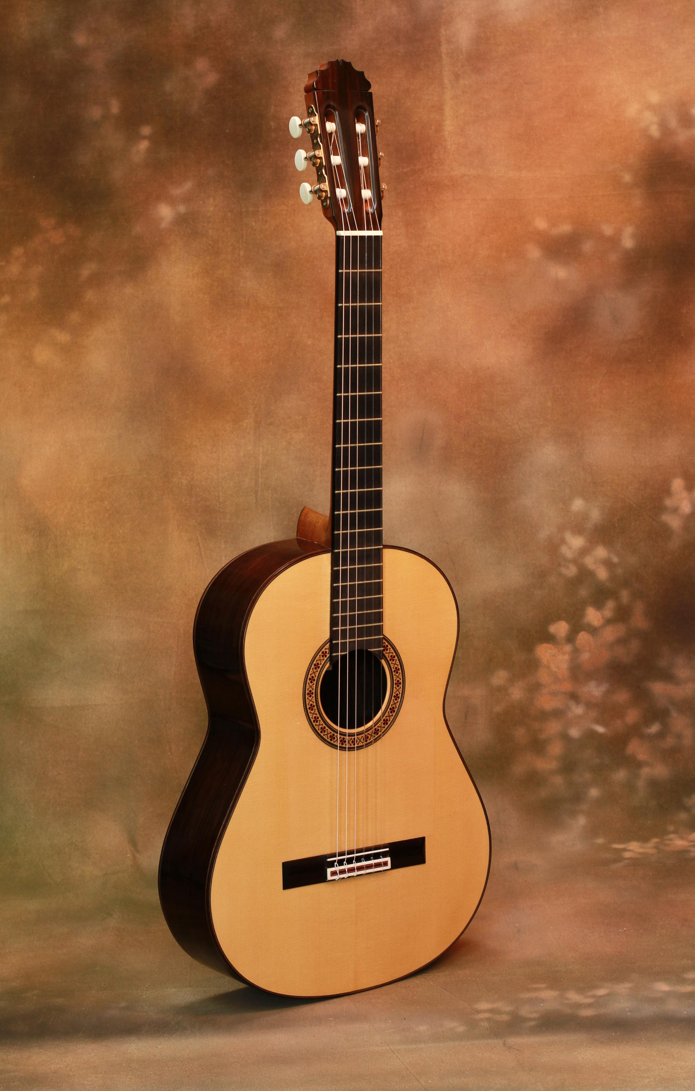 thomas blackshear 318 reyes savage classical guitar. Black Bedroom Furniture Sets. Home Design Ideas