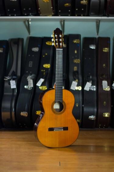 Manuel-Adalid-Classical-Guitar-9C-B-Cedar