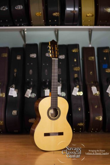 Hill Classical Guitar Estudio