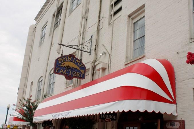 Classic River Street Restaurants - Savannah, GA | Savannah.com