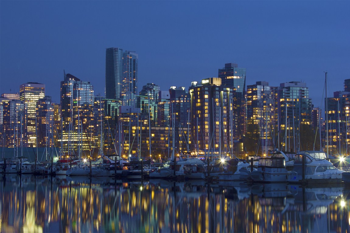 7-Savannah-Rose---Vancouver-Skyline-from-Stanley-Park