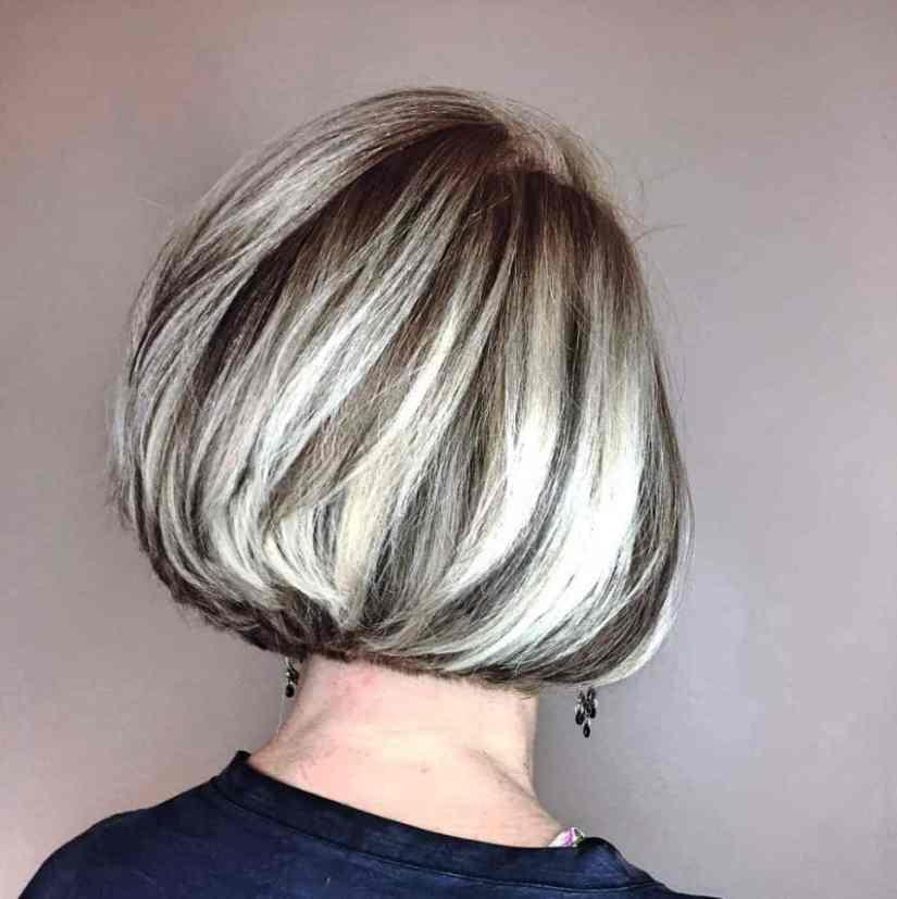 Inspirationen Frisuren Frauen ab 50 Mittellanger Goldener Bob