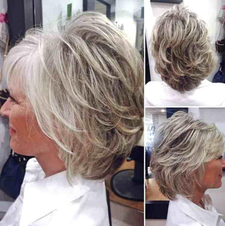 Neuer Frisuren ab 50 Dünnes Haar Ideen Mittlere weiße blonde gefiederte Frisur