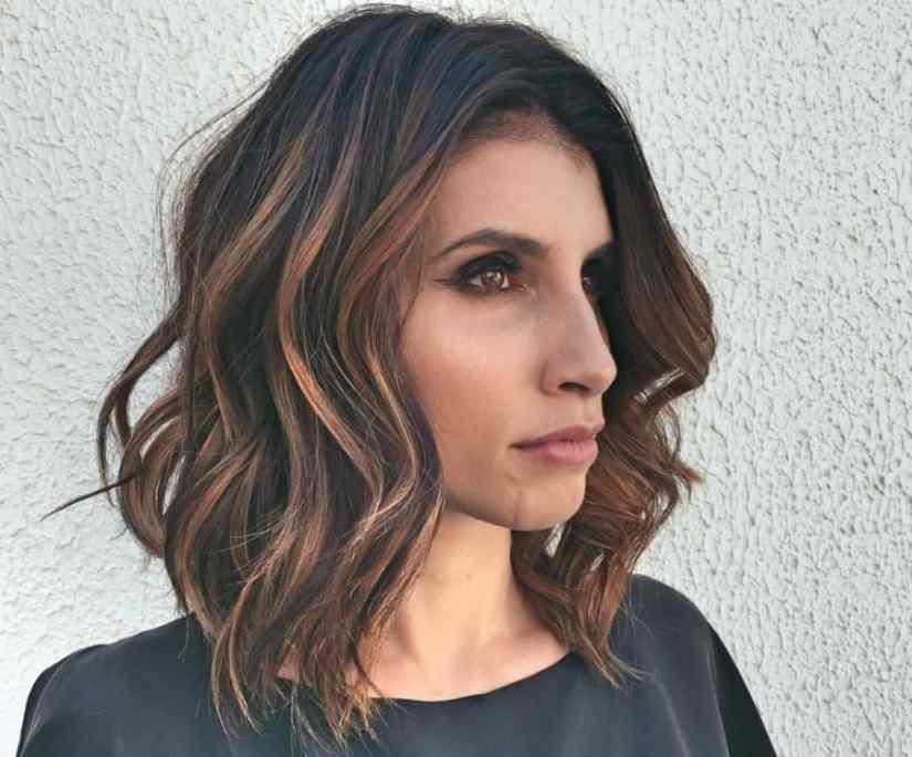 Neuer Damen Frisuren Kinnlang Bilder Wellenförmige seitliche Frisur