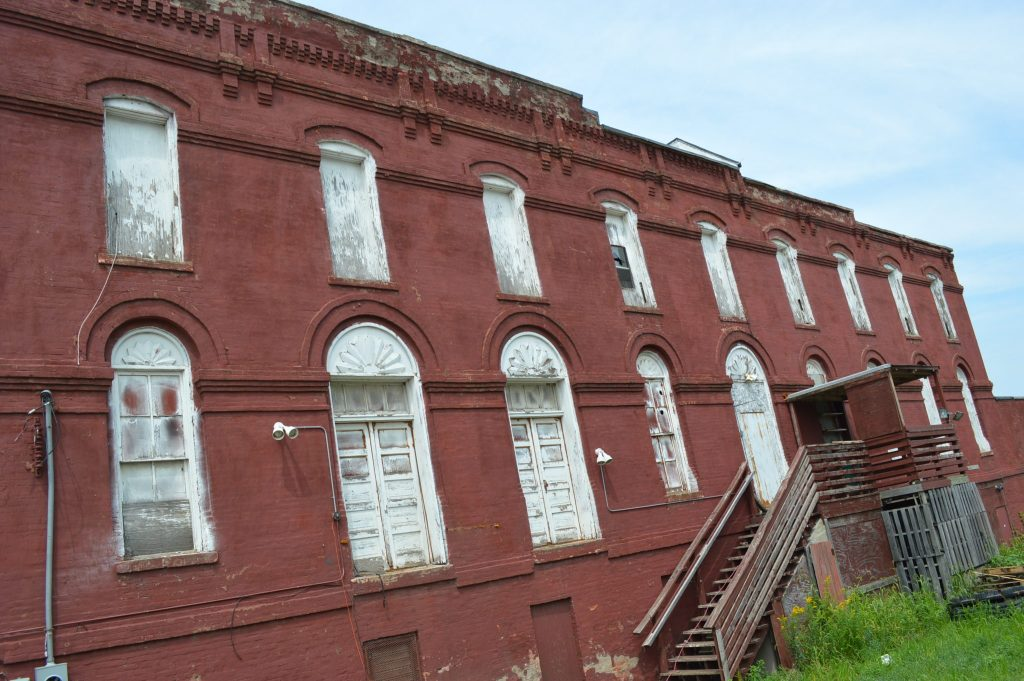 The Cedar Rapids City Council selected a proposal on Tuesday, July 12, 2016, that will preserve the historic Knutson Building. (photo/Cindy Hadish)