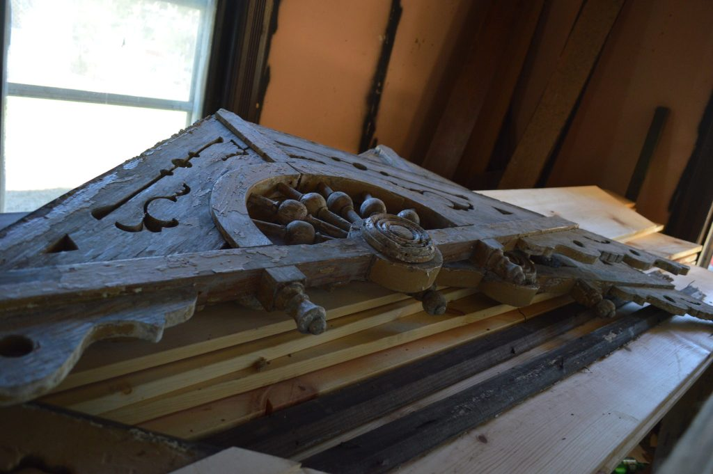 Architectural details that make the Frankie House unique are being restored. (photo/Cindy Hadish)