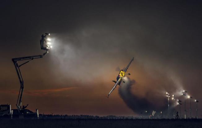 Foto pesawat terbang teknik strobist