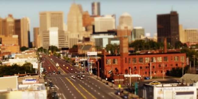 Video Timelapse Ini Membuat Sebuah Kota Tampak Mini