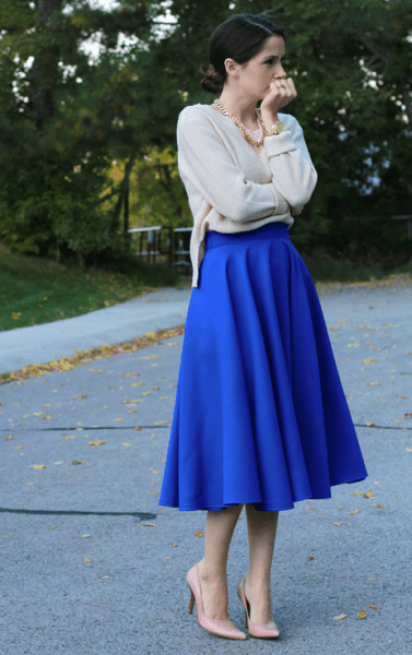 http://cottonandcurls.blogspot.ca/2013/10/diy-midi-circle-skirt.html