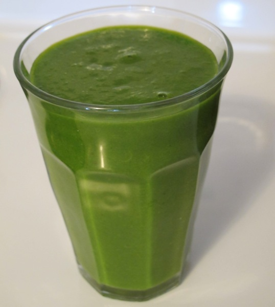 Green-Smoothie-Drink-Vegetable-2